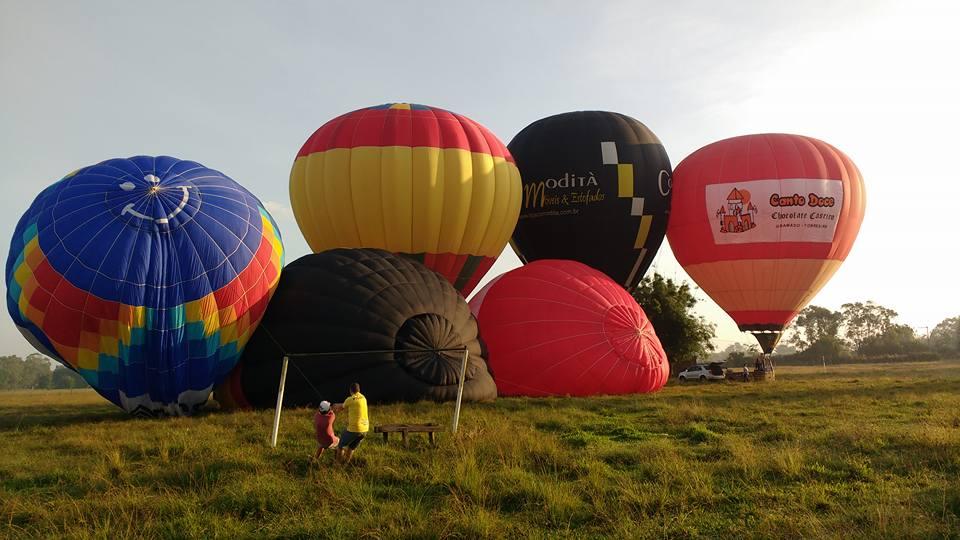 Pilotos de Torres fazem voo treino visando o festival de balonismo